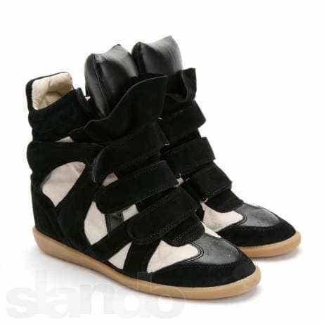 Белые, черные и бело-черные кроссовки
