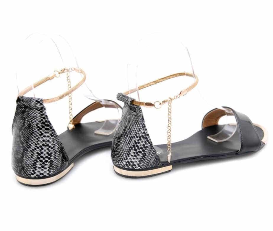 сандали в моде