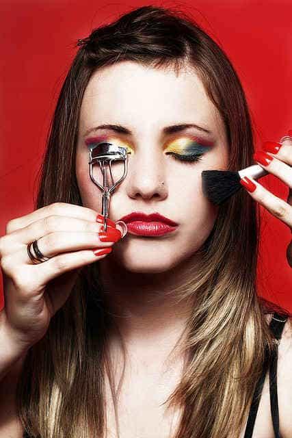 не забудьте выбрать макияж для нового образа