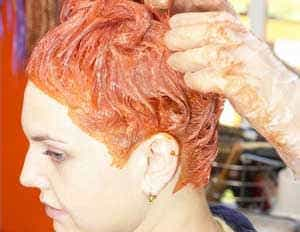 лучше окрашивать волосы у профессионала