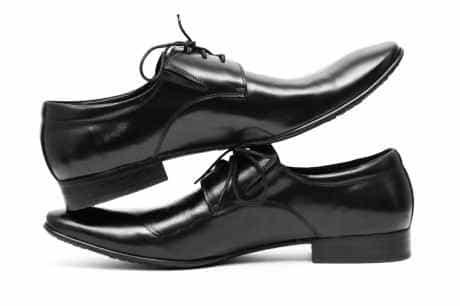 обувь жениха по  желанию может быть дополнена мехом
