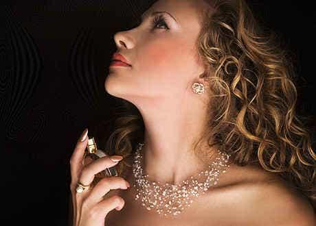 парфюм может помочь создать свой образ