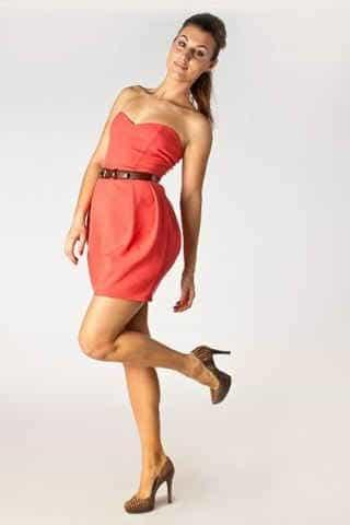 коктейльное платье-бюстье персикового цвета