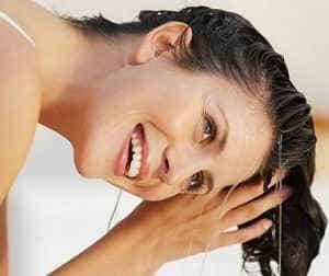 Как удалить краску с волос в домашних условиях