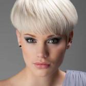 блондирование с синими мелированными прядями