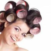 Закрутить волосы – использовать для этого бигуди